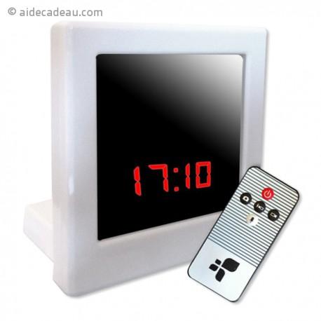 Réveil caméra espion carré télécommandé