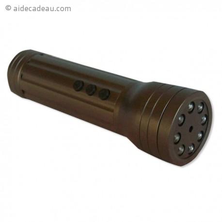 Caméra espion en forme de lampe torche