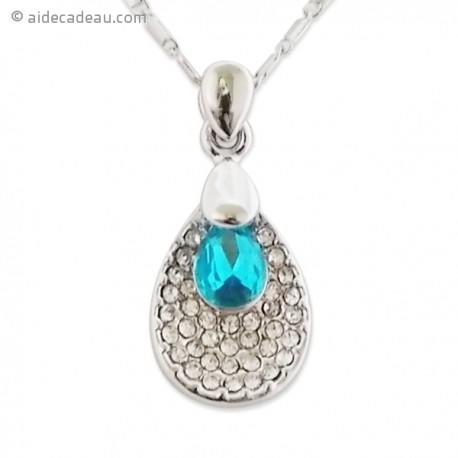 Collier pendentif argenté serti de strass et de pierre bleue