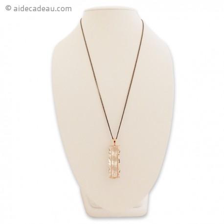 Sautoir avec pendentif à trois faux diamants