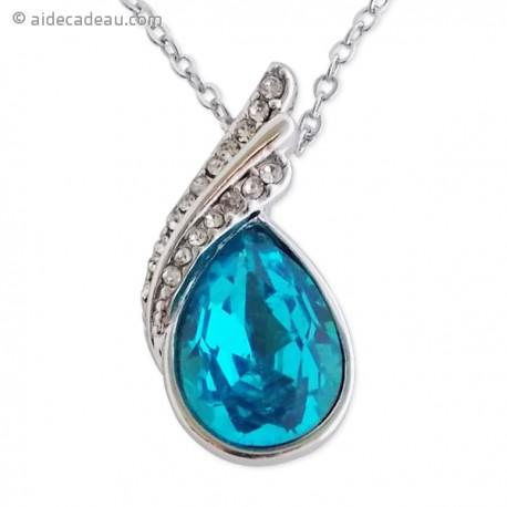 Collier pendentif argenté, et pierre bleue