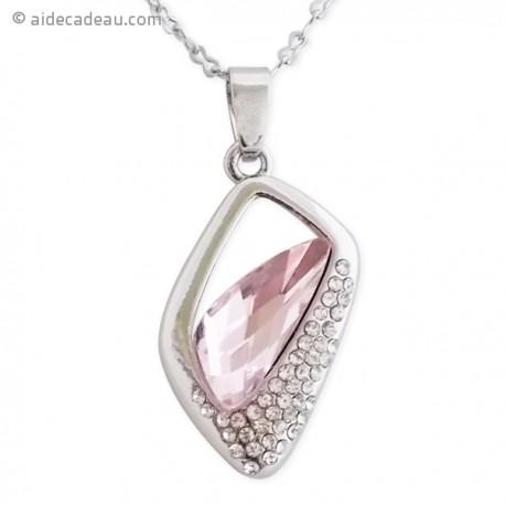 Collier pendentif fausse pierre rose pâle et strass