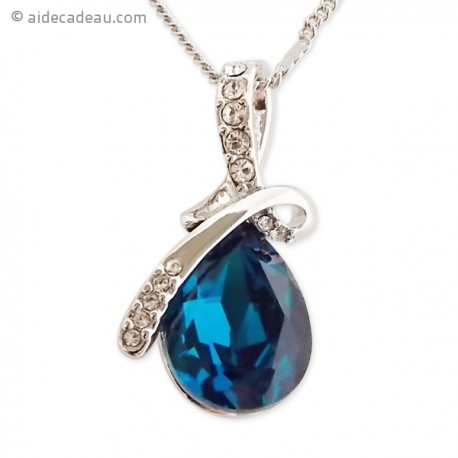 Collier argenté au pendentif de pierre bleu océan