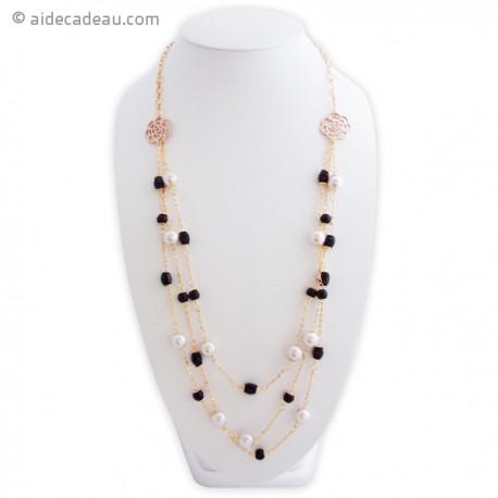 Sautoir doré avec chaîne en fleurs et perles