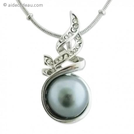 Collier argenté fort élégant, au pendentif de perle grise