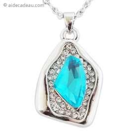 Collier pendentif argenté strass avec fausse pierre bleue turquoise