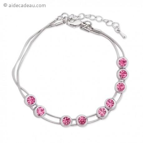 Bracelet argenté doté de 9 faux cristaux roses
