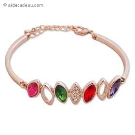 Bracelet aspect doré avec plusieurs feuilles de couleurs différente