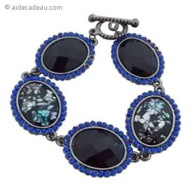 Bracelet à pierres sombres