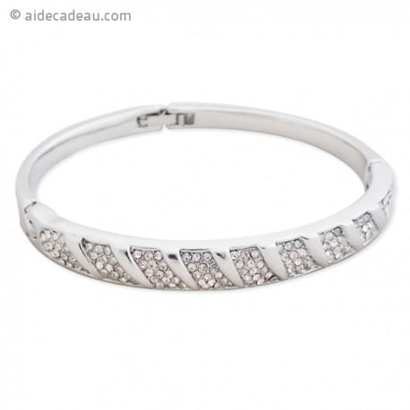 Bracelet de cérémonie décoré avec des strass argentés