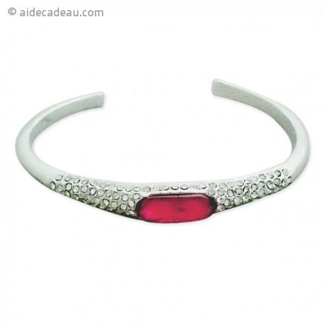 Beau bracelet rigide argenté orné de pierre rose et de strass