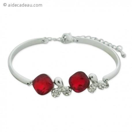 Sublime bracelet fantaisie de couleur argentée et orné de 2 pierres
