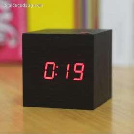 Réveil cube affichage LED