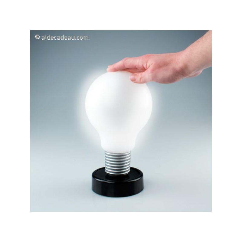 lampe tactile lampe chevet tactile en forme d 39 ampoule luminaire original lampe tactile. Black Bedroom Furniture Sets. Home Design Ideas