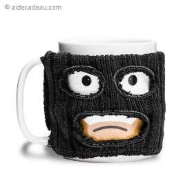 Mug gangster avec cagoule noire amovible