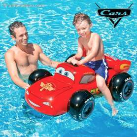 Bouée voiture gonflable Flash McQueen