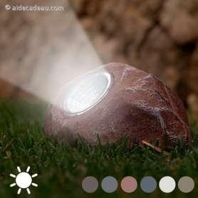 Lampe solaire en forme de pierre