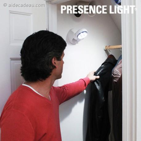 Lampe à piles à détecteur de mouvement