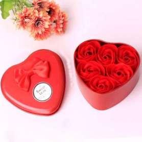 Boite cadeau en métal avec 6 savons en forme de rose rouge