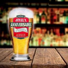 Chope à bière « joyeux anniversaire »