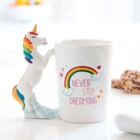 Mug à anse licorne never stop dreaming