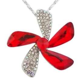 Collier fleur avec strass et fausse pierre rouge