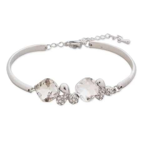 Bracelet argenté brillant et plein de charme
