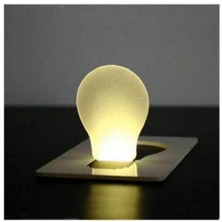 Lampe LED de poche carte portefeuille