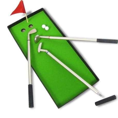 3 stylos club de golf avec green