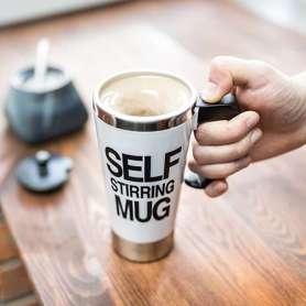 Mug auto-mélangeur avec couvercle